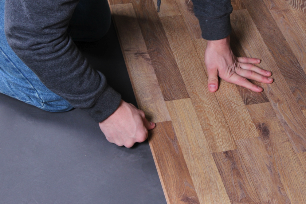 Do it yourself laminate flooring installation for Installing laminate wood flooring