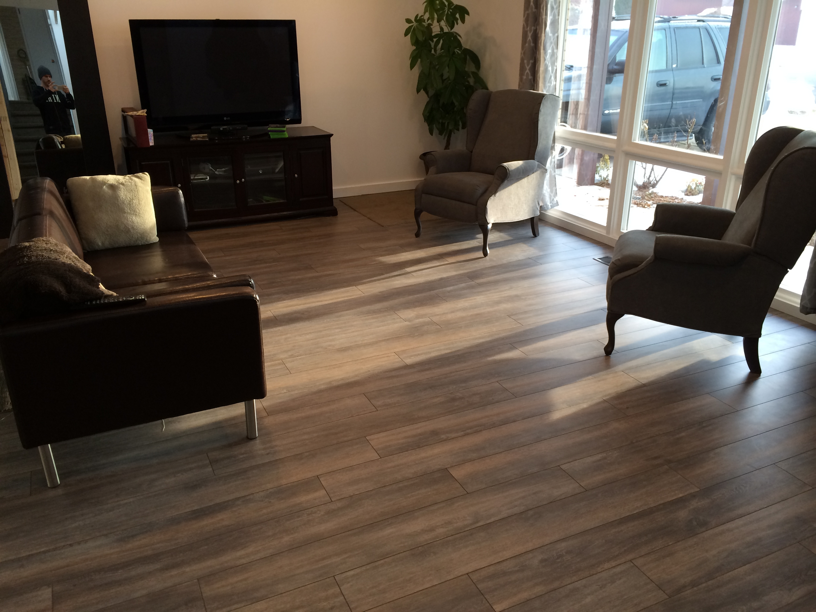 How To Determine The Direction To Install My Laminate Flooring - Best flooring for entire house