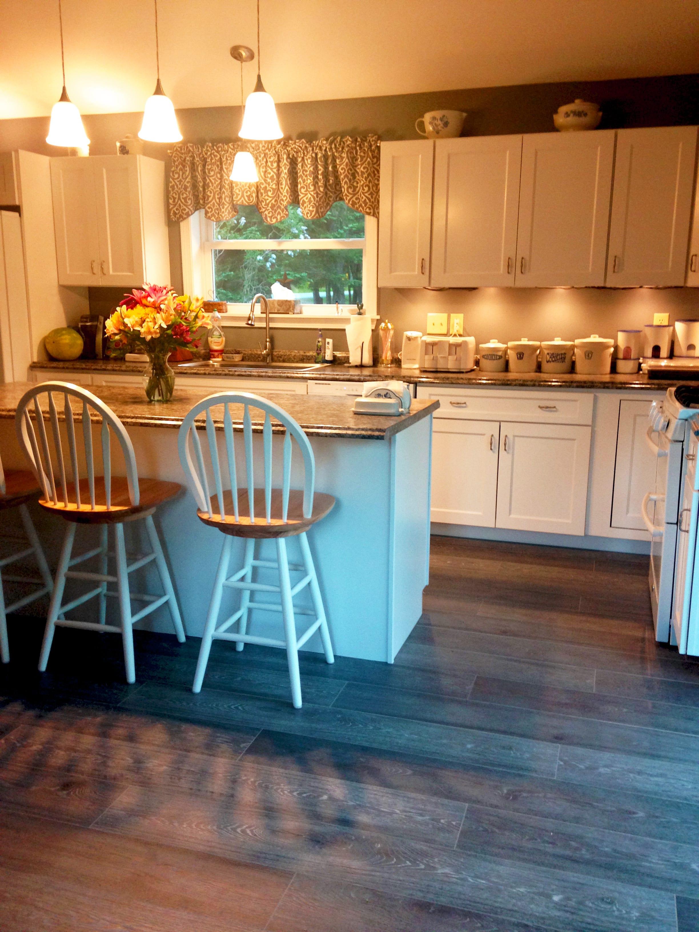 Best Laminate Floor For Kitchen 5 Laminates For A Unique Farmhouse Kitchen