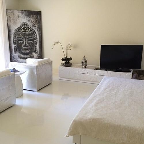 White Gloss Kitchen Flooring: MarilynKelvin: Trending Now