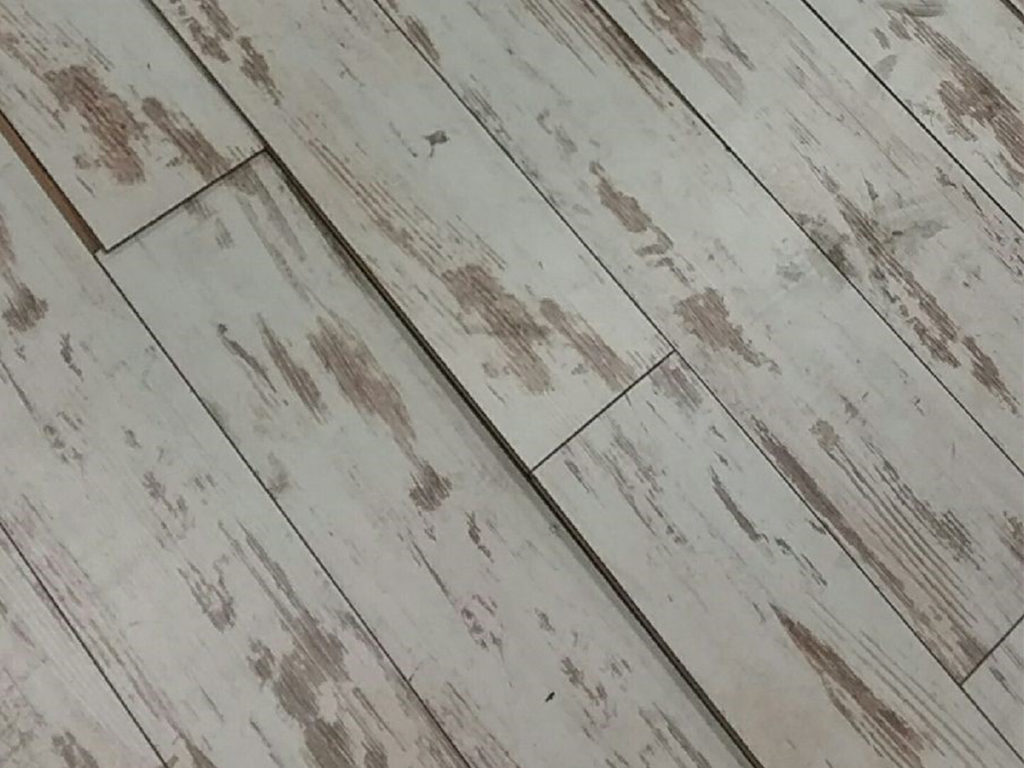 Buckled Laminate Flooring