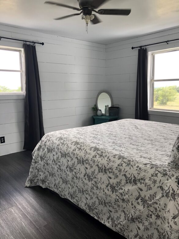Shiplap Bedroom with Bestlaminate Vinyl Plank Flooring