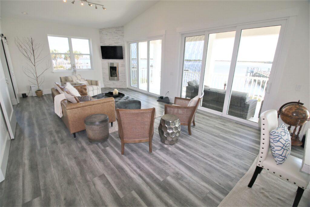 beach house tour - family room