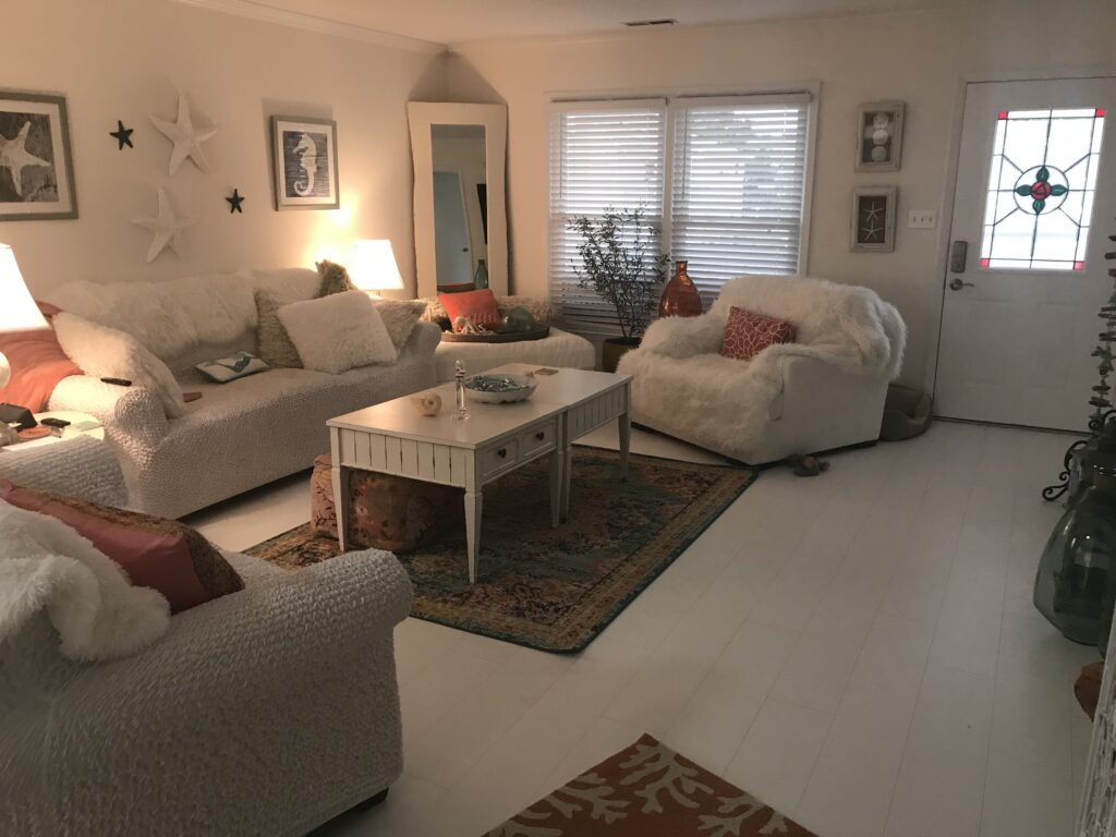 coastal design featuring white matte vinyl flooring