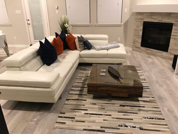 Luxury Living Room With Whitewashed Gray Flooring bl-000697