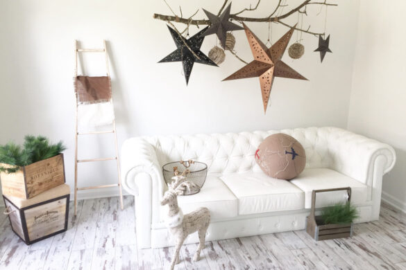 Shabby Chic Living Room With Classen Fresco Adventure Line Laminate Flooring bl-000357