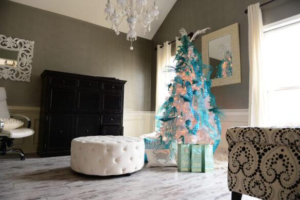 Shabby Chic Family Room With Classen Fresco Adventure Line Laminate Flooring bl-000365