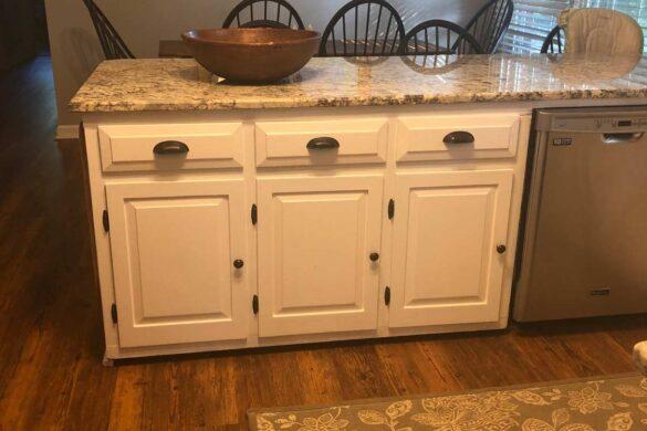 Classic Kitchen with COREtec Plus Carolina Pine WPC Vinyl