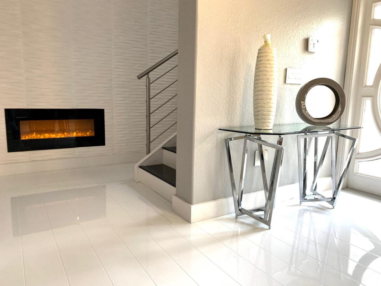 White High Gloss Flooring, White Gloss Laminate Flooring