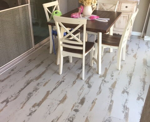 Cottage Dining Room With Shabby Chic Styled Flooring bl-000749